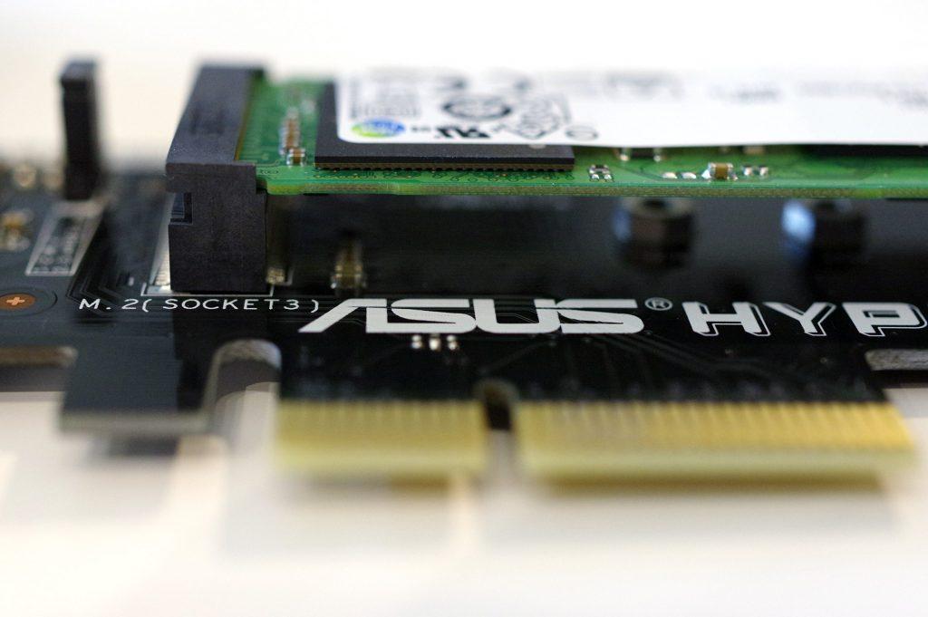 Un SSD sur le Asus Hyper M.2 X4 Mini